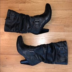 Boots gray size 8 heel 3.5in very good condition